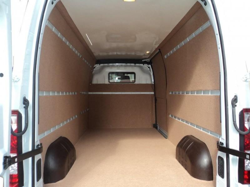 Bayrampaşa İkea nakliyat, mobilya taşıma aracımız ile mobilyalarınızın sorunsuz bir şekilde istenilen adrese teslimatını gerçekleştiriyoruz.