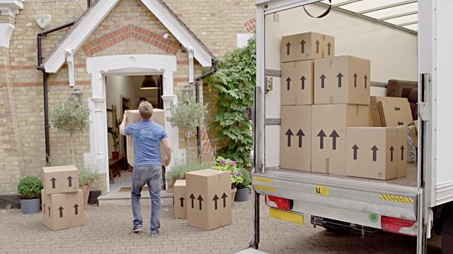 Bahçeşehir nakliyat ihtiyaçlarınızı ayrılcaklı nakliyat hizmetlerimiz ile gerçekleştiriyoruz.