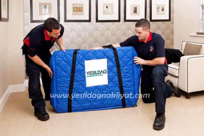 Halkalı eşya taşımacılığı hizmetinde paketleme hizmetimiz dahip olup, eşyalarınız korumalı bir şekilde taşınır.