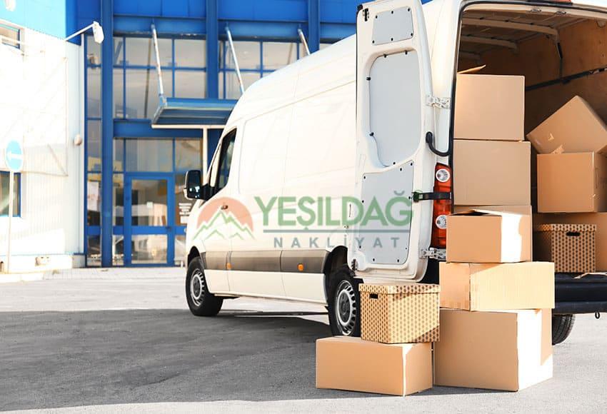 Şirinevler Parça Eşya Taşımacılığı Sırasında Parça Eşyalar Panelvan Aracı İçerisinde İstif Edilmiştir.